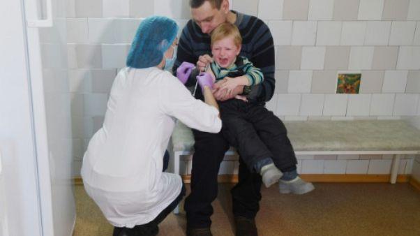 Ukraine: une flambée de rougeole provoque une ruée vers les vaccins