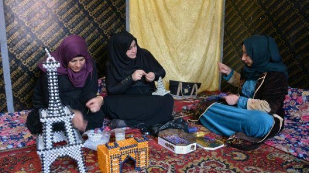Loin de chez elles, des Irakiennes misent sur l'artisanat