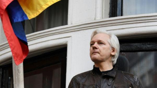 Les avocats de Julian Assange demandent de lever le mandat d'arrêt contre lui