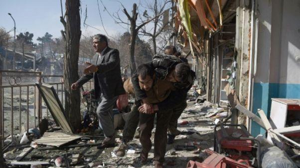"""""""Massacre"""" à l'ambulance piégée à Kaboul: au moins 40 morts"""