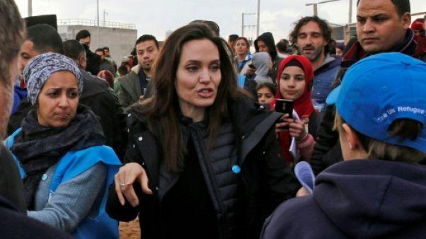 Un règlement du conflit en Syrie est urgent, dit Angelina Jolie en Jordanie