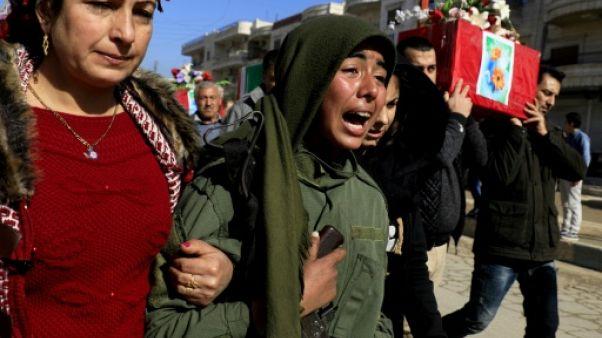 Les Kurdes de Syrie crient leur colère contre la Turquie lors de funérailles