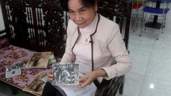 Espionnes, les armes à la main: les Vietnamiennes au coeur des combats