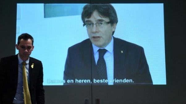 """Puigdemont: """"aucun autre candidat possible"""" pour diriger la Catalogne"""