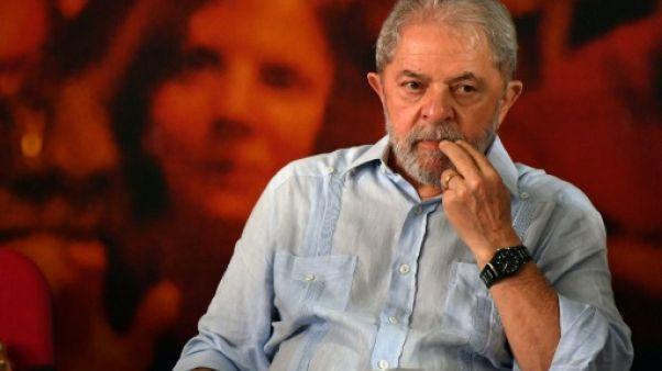 Brésil: rejet d'un recours des avocats de Lula pour lui éviter la prison