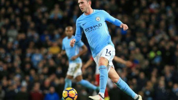 Angleterre: débuts ratés de Sanchez avec United, réussis pour Laporte à City