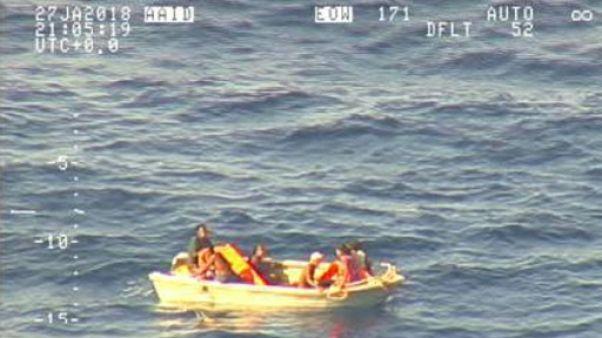 Disparition d'un ferry aux Kiribati: les recherches aériennes suspendues