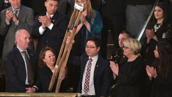 Trump reçoit des transfuges nord-coréens dans le Bureau ovale