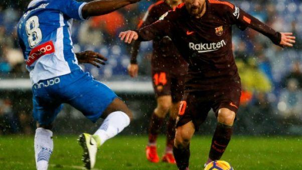 Espagne: Piqué sort le Barça du bourbier, l'Atlético grignote