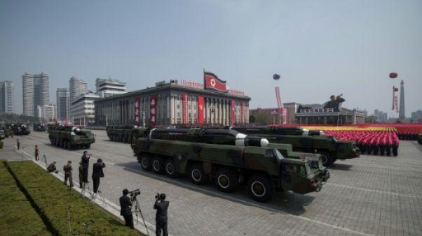Corée du Nord: un défilé à Pyongyang pour voler la vedette aux JO de Pyeongchang