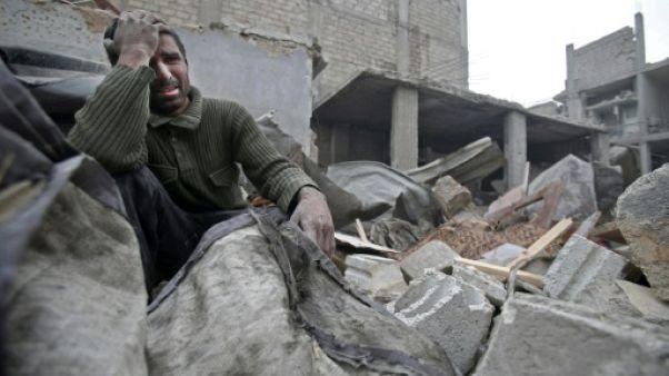 Syrie: 16 civils tués dans des raids aériens du régime près de Damas