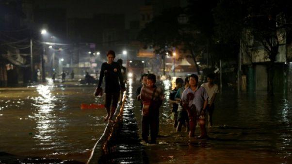 Indonésie: inondations et glissements de terrain mortels près de Jakarta