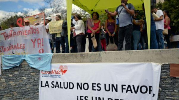 """""""On ne veut pas mourir!"""": les greffés vénézuéliens réclament des médicaments"""