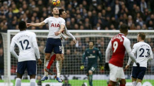 Angleterre: Arsenal s'éloigne de l'Europe, quadruplé pour Agüero
