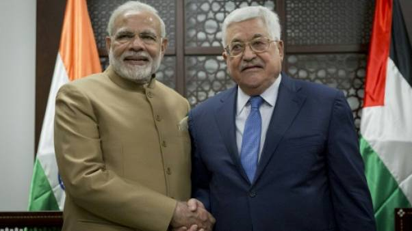 """Abbas """"compte"""" sur l'Inde pour une relance du processus de paix avec Israël"""