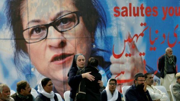 Des milliers de Pakistanais aux funérailles de la militante Asma Jahangir