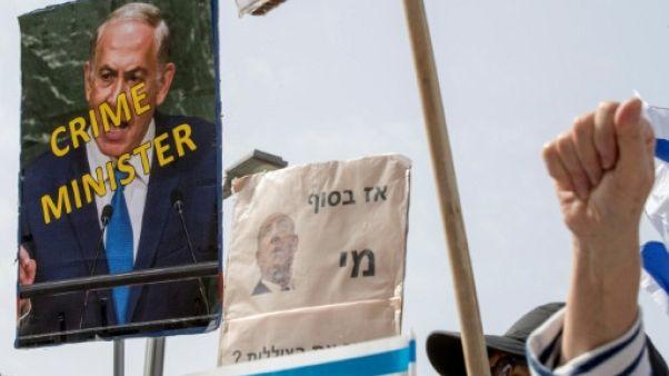 Des milliers d'Israéliens réclament la démission de Netanyahu