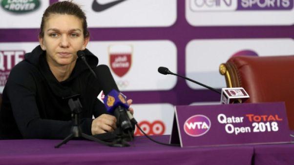 Tennis: Halep forfait à Doha, Wozniacki reste N.1 mondiale