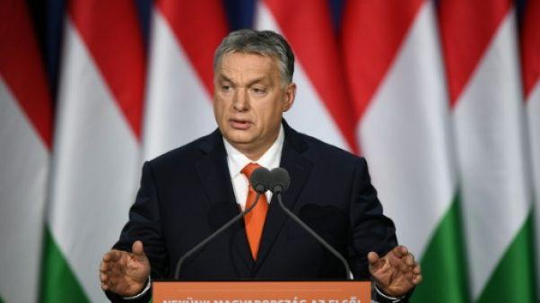 """Hongrie: Orban brocarde la """"position désespérée"""" de l'opposition avant les élections"""