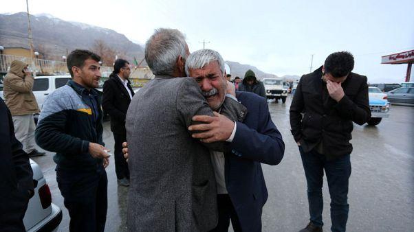 سقوط طائرة ركاب إيرانية وأنباء عن مقتل 65 كانوا على متنها