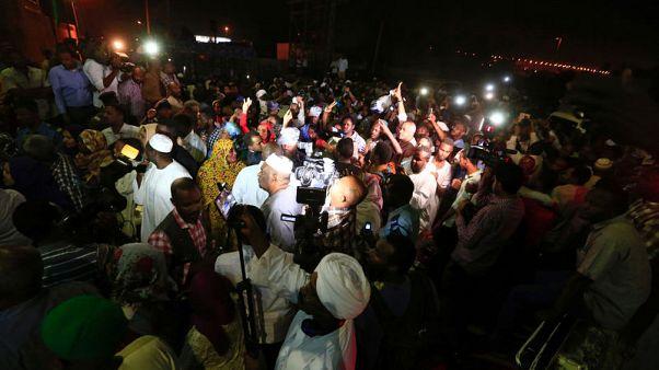 السودان يفرج عن سجناء سياسيين من سجون بالخرطوم