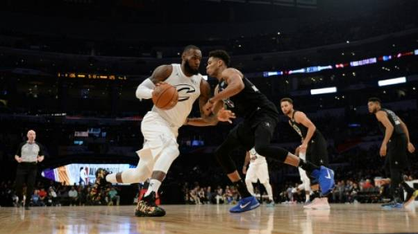 "NBA: LeBron James et ses All-Star dominent la ""Team Curry"""