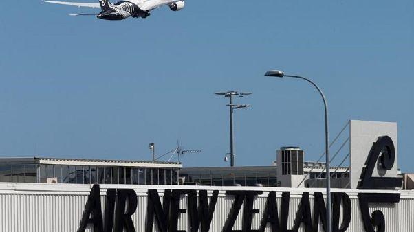 شركة طيران نيوزيلندا تحذر من تعطل حركة الطيران بسبب الإعصار جيتا