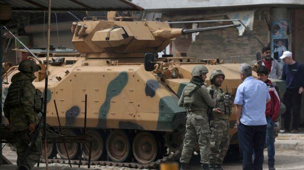 تحقيق-في شمال غرب سوريا.. تركيا تقدم مساعدات وتفرض نفوذها