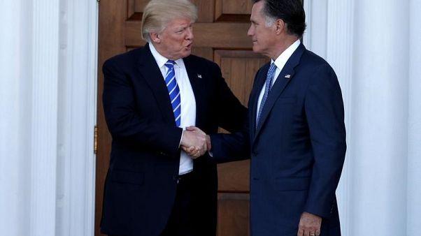 ترامب يساند رومني في انتخابات التجديد النصفي لمجلس الشيوخ