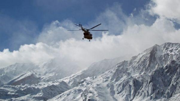 Crash d'avion en Iran: l'amélioration météo donne espoir de retrouver l'épave