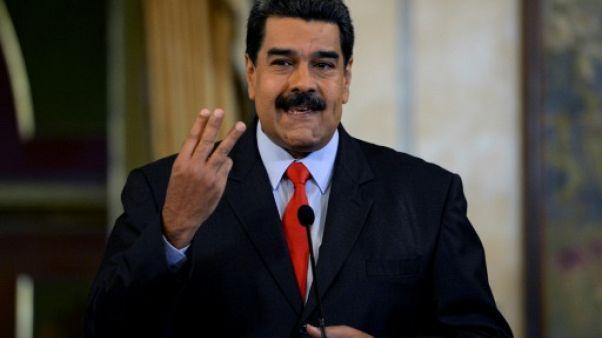 Venezuela: Maduro fait campagne en langue des signes