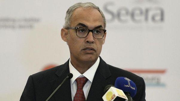محافظ المركزي البحريني يقول النمو قد يتسارع لكن يحذر من العجز