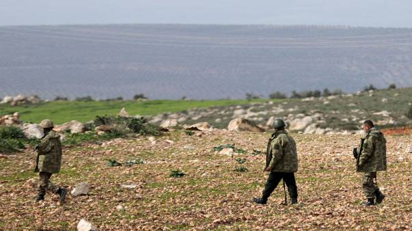 الجيش التركي يعلن تطويق عفرين في سوريا