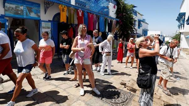 تونس تتوقع نمو دخل السياحة 25% واستقبال 8 ملايين سائح في 2018