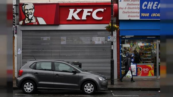 Royaume-Uni: KFC bat de l'aile faute de poulets, au désespoir des consommateurs