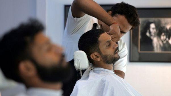 Soins du visage et pédicure: quand le mâle pakistanais devient métrosexuel