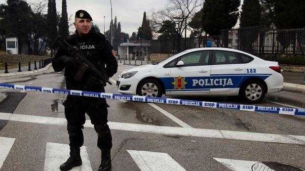 مجهول يلقي عبوة ناسفة على السفارة الأمريكية بالجبل الأسود ثم يفجر نفسه