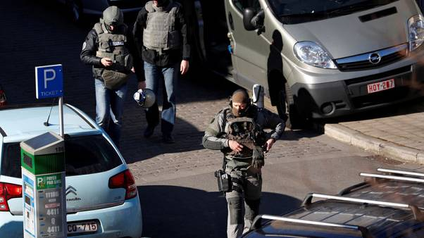 الشرطة البلجيكية تغلق شارعا ببروكسل بعد تقرير عن جريمة قتل