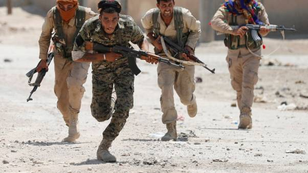 وحدات حماية الشعب الكردية: 10 آلاف فروا من ديارهم في عفرين خلال يومين