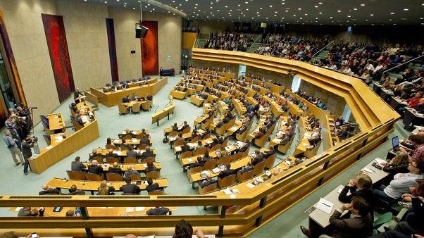 تركيا تستدعي القائم بأعمال هولندا احتجاجا على قرار البرلمان بشأن الأرمن