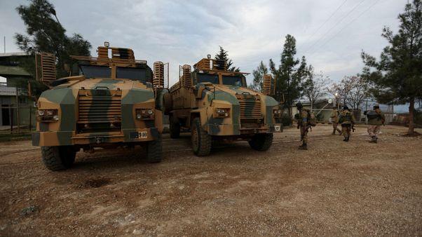 قوات تركية تقصف قافلة متجهة إلى منطقة عفرين بسوريا