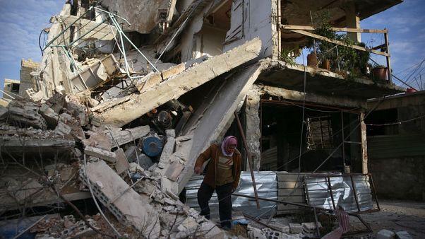 القنابل تنهمر على الغوطة قبل قرار لمجلس الأمن حول هدنة في سوريا