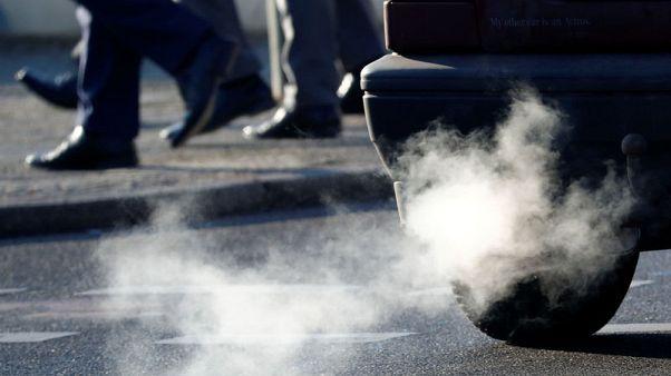 ألمانيا قد تفرض حظرا محدودا على سيارات تعمل بالديزل