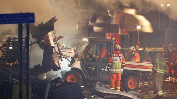 انفجار يدمر متجرا ومنزلا بمدينة بريطانية ونقل 6 للمستشفى