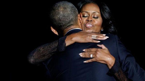 طرح مذكرات ميشيل أوباما (بيكامينج) في نوفمبر