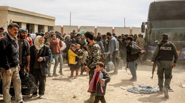 تاس: أكثر من 3500 شخص غادروا الغوطة الشرقية السورية يوم الاثنين