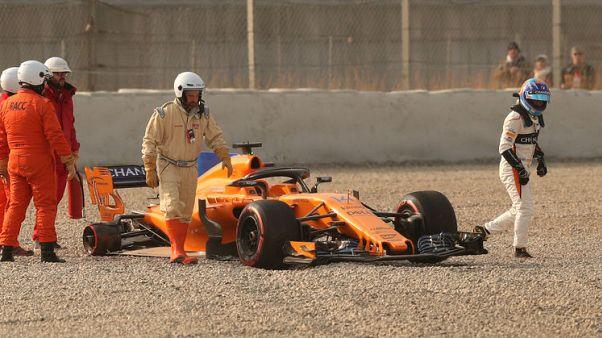 الونسو يقطع ست لفات قبل انفصال إطار سيارته في تجارب اسبانيا لفورمولا 1