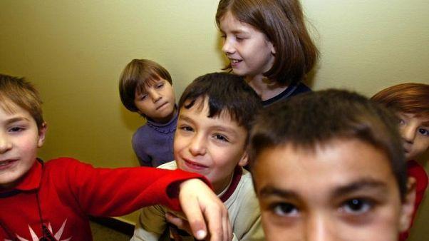 بولندا تدرس توفير دروس تعليمية لأطفال اللاجئين بعيدا عن المدارس