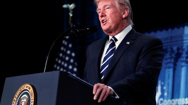 ترامب لا يمانع في فرض رسوم استيراد لإحياء الوظائف في صناعة الصلب