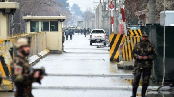 """Afghanistan : les talibans appellent Washington à """"discuter"""" avant une conférence internationale"""